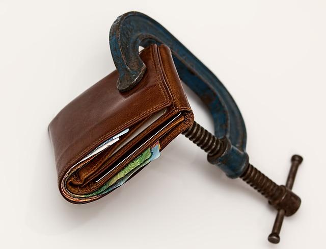 finanční tíseň