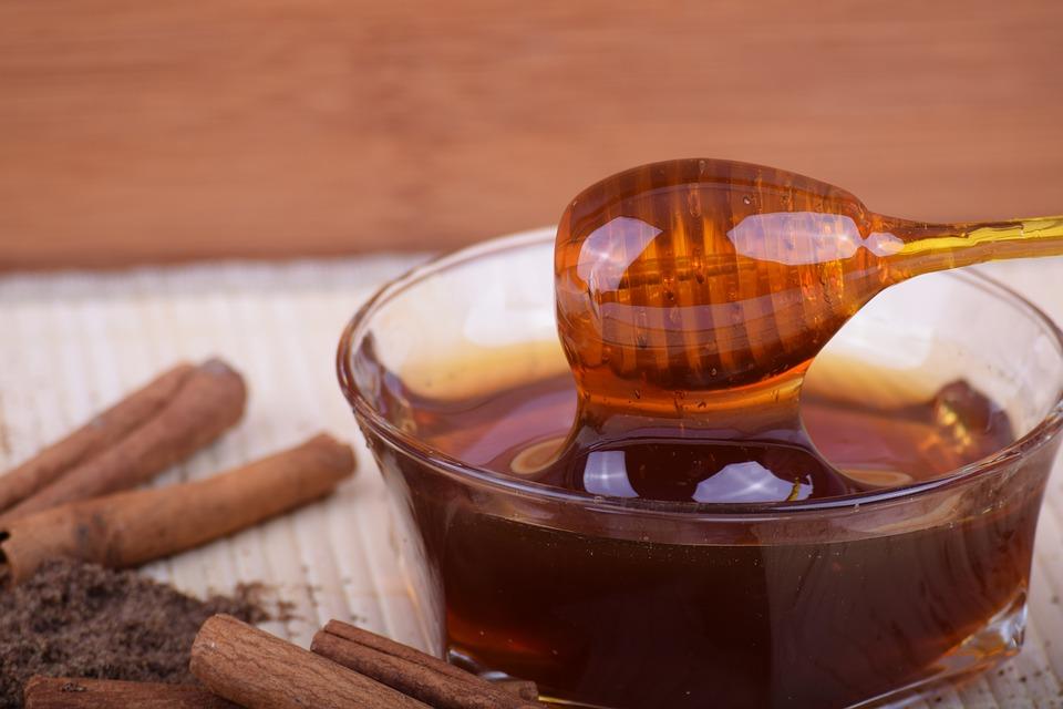 tekutý med